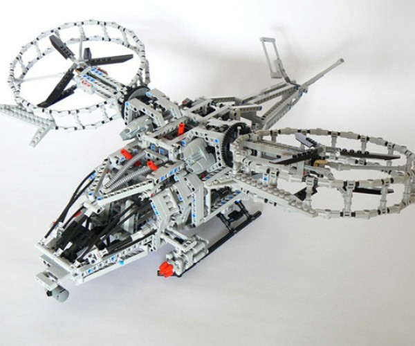 Awesome LEGO Avatar Helicopter With a Hidden Twist