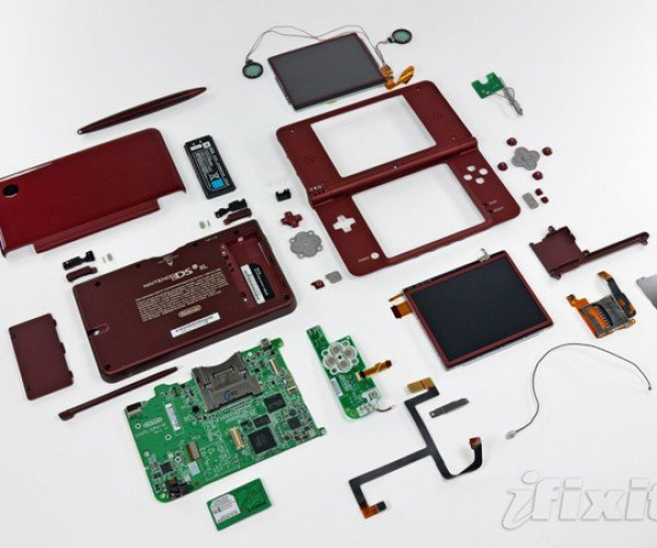 Ifixit Rips Apart the Nintendo Dsi Xl
