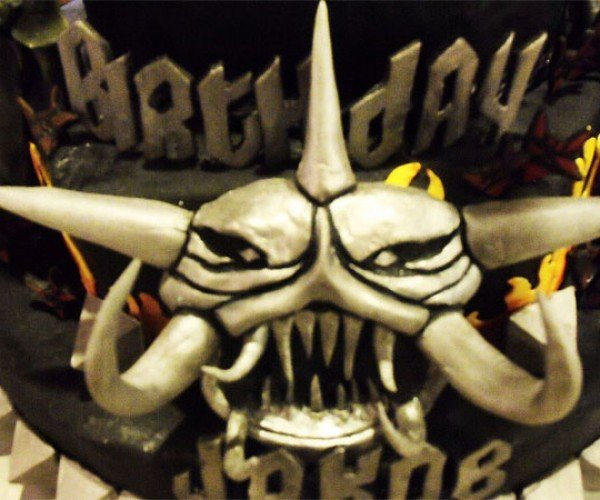 Brutal_Legend_Birthday_Cake_7