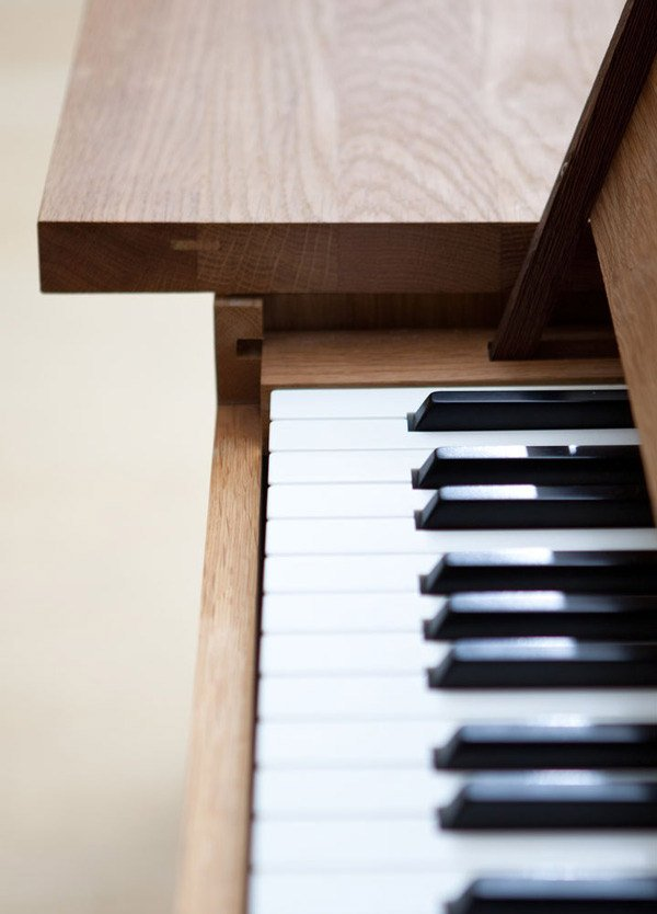 electric piano table 2