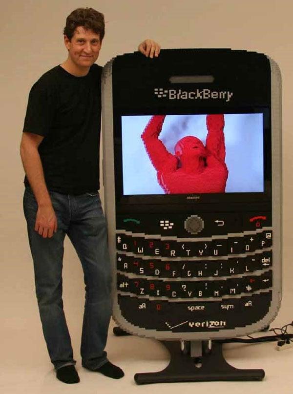 giant_lego_blackberry