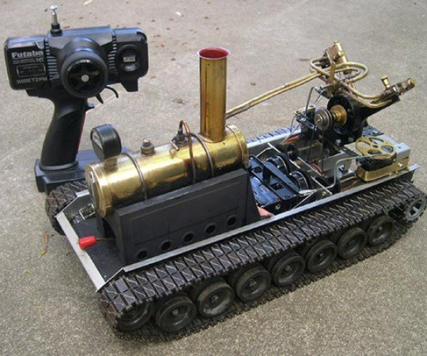 Remote-Controlled Steam Tank: It's Aliiiiive!