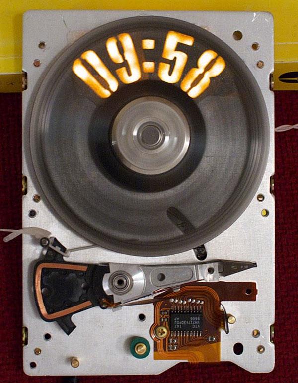 strobeshnik hard drive clock 1