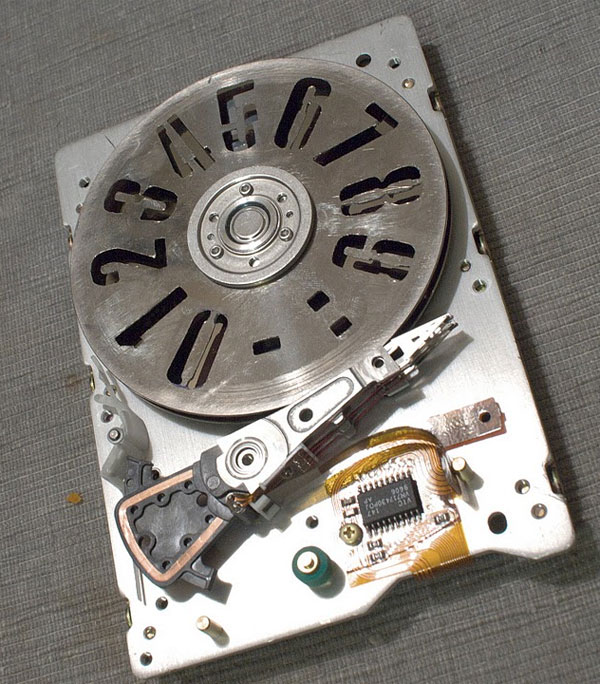 strobeshnik hard drive clock 2