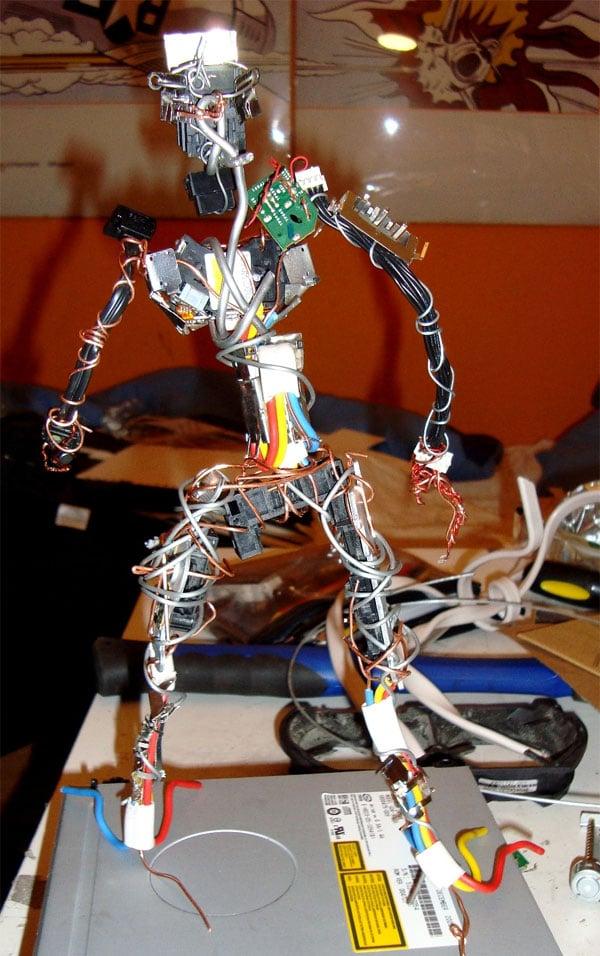 xbox_360_rrodman_robot_sculpture