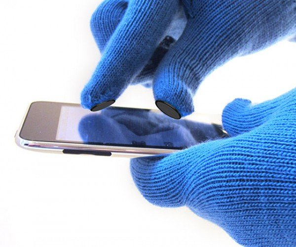 Digits Conductive Pins: the Missing Link Between Gloves and Touchscreens