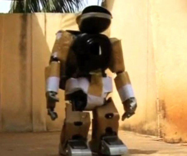 Robot Built From Used Television Parts Inspires People, Old Tvs