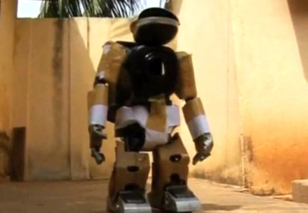 Sam 10 robot