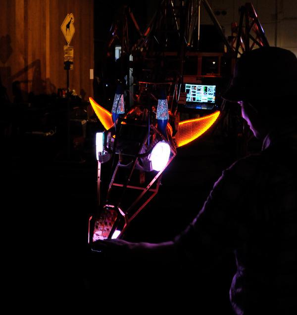 robot make faire russell electric giraffe