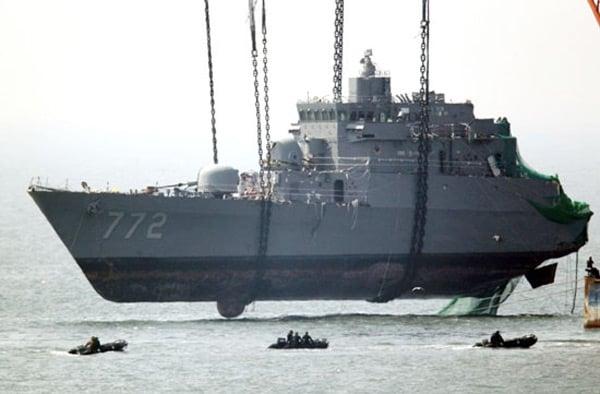 south korea war battleship crane mega machine