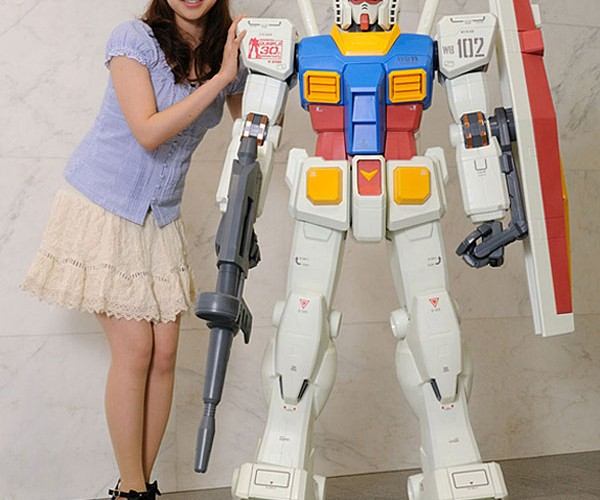 5 Ft. Tall Gundam Action Figure Will Guard Your Toy Collection
