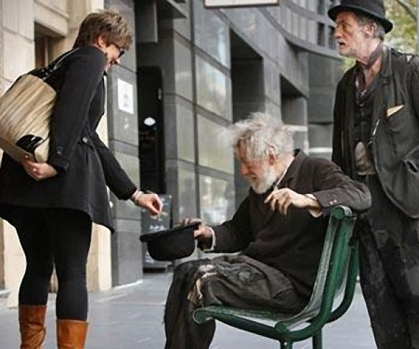 Sir Ian Mckellen Mistaken for Beggar: You Shall Not Pass!.. Unless You Can Spare Me Some Coins
