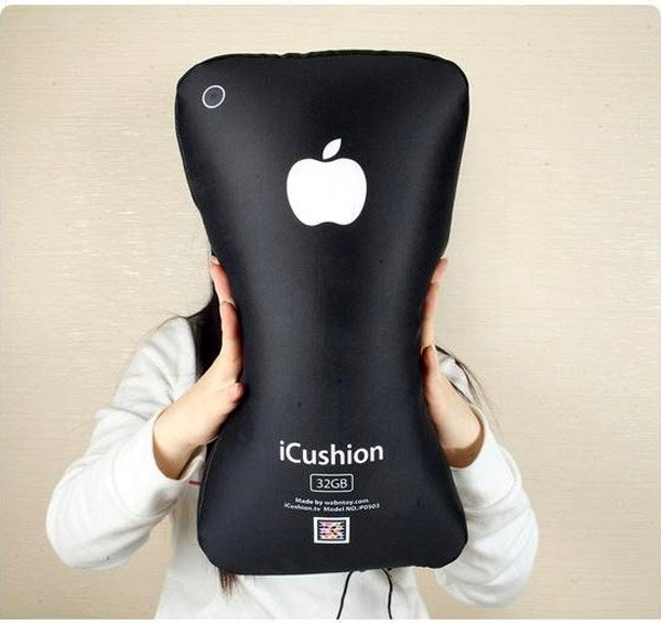 icushion_iphone_pillow_2