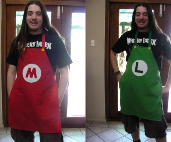 Mario and Luigi Aprons: Iron Chef Batali Should have the Red One