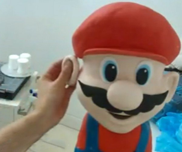 Super Mario Cake Comes to Life Before Your Eyes