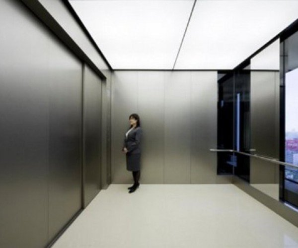 Giant Elevator Carries Up to 80 People: Talk About Raising the Bar