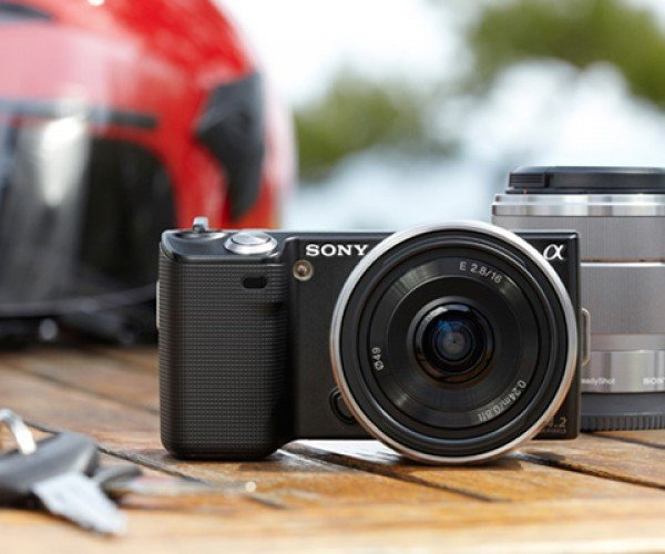 Sony α Nex Interchangeable Lens Cameras: Sharp, Slim and Sexy