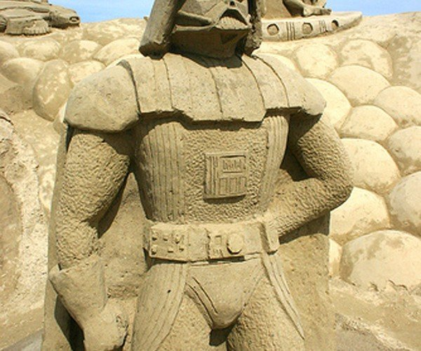Star Wars Sand Sculptures: Finally, a Use for All That Sand on Tatooine