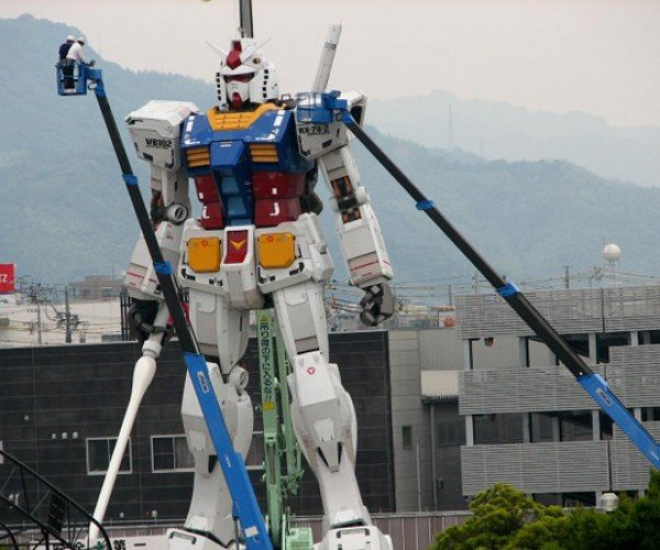 Gundam Statue Rises Again (Almost)