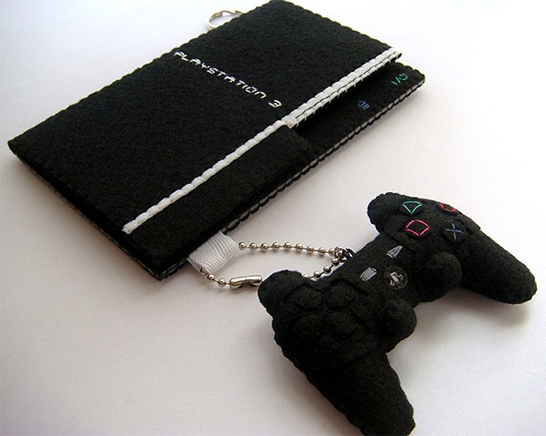 iphone_ps3_case