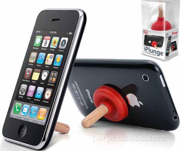 iPlunge Aims to Clear the Crap Backing Up the iPhone Accessory Pipes