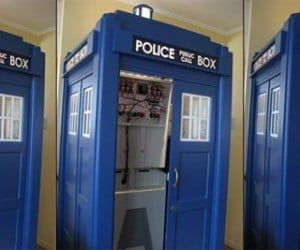 "Tardis Mame Cabinet Should be Called the ""Tar-Cade"" (but It'S Not)"