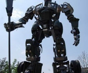 Giant Transformer Truck Descends on China
