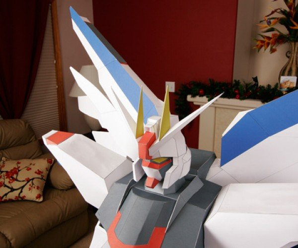 Amazing Papercraft Statue of Gundam is 4 Feet High!