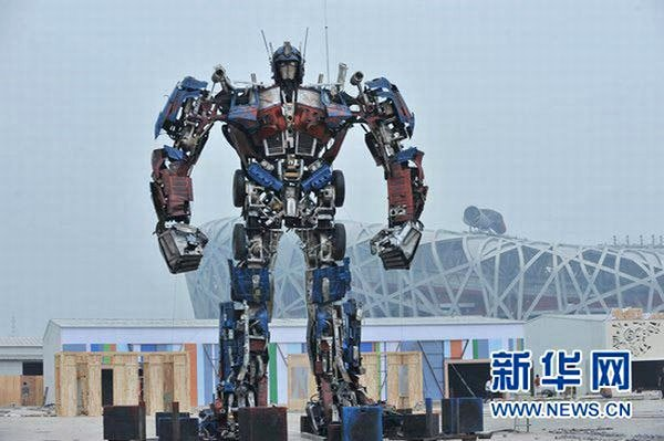 071510 giant optimus prime 1