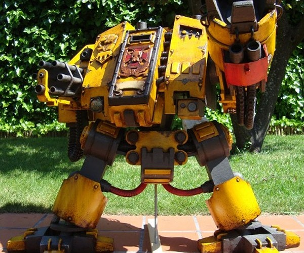 Warhammer 40000 Dreadnought Casemod: Mind Blown