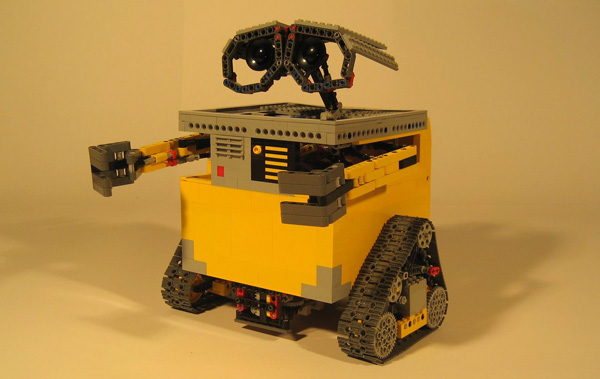 LEGO Nxt Wall-E: Garbage Bot in Disguise