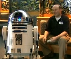 R2-D2 Warms Hearts, Blows Minds at Hospital