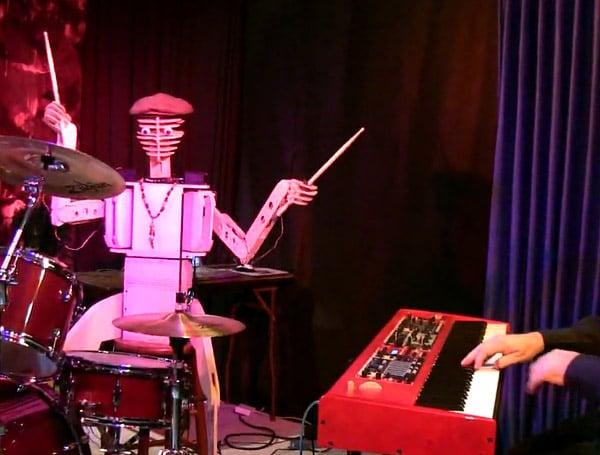 spruce deuce robot drummer