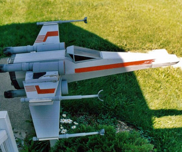 X-Wing Fighter Mailbox Truly Delivers