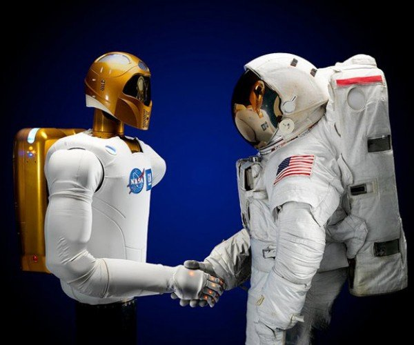 NASA's Robonaut 2 Will Tweet His Way Into Space