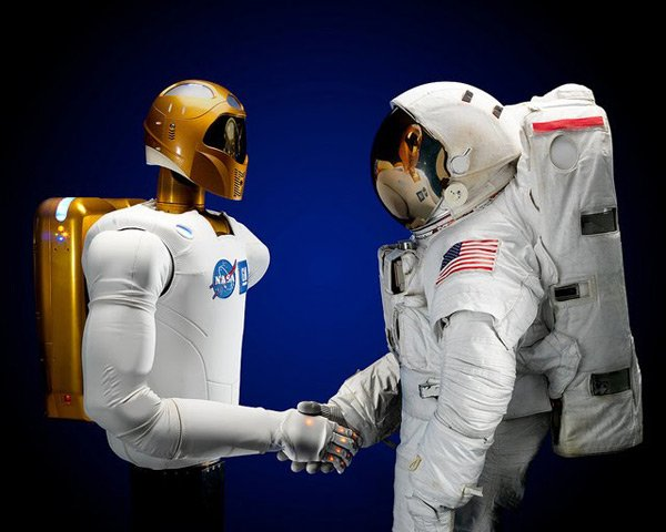 robonaut nasa discovery usa space tweet twitter