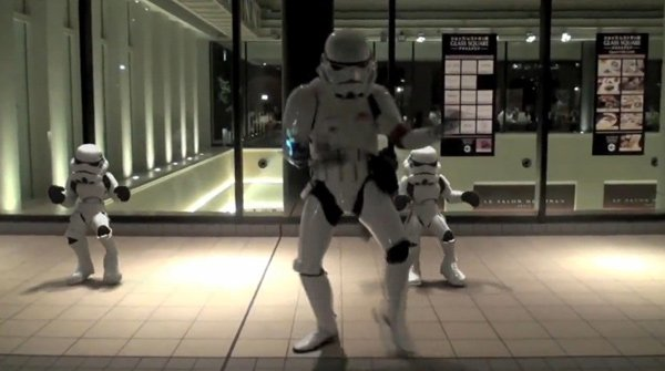 dancing video stromtrooper star wars special japan