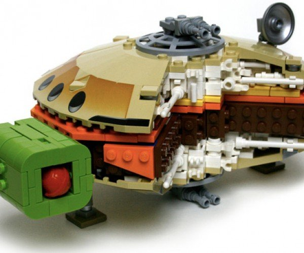 Corellian Cheeseburger: LEGO Mcfalcon
