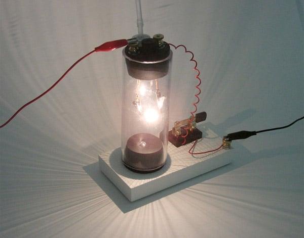 diy_make_your_own_lightbulb