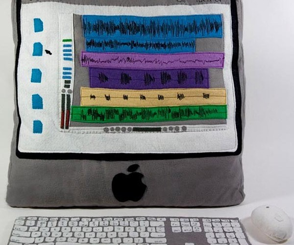 Plush iMac is Definitely Touch-Sensitive