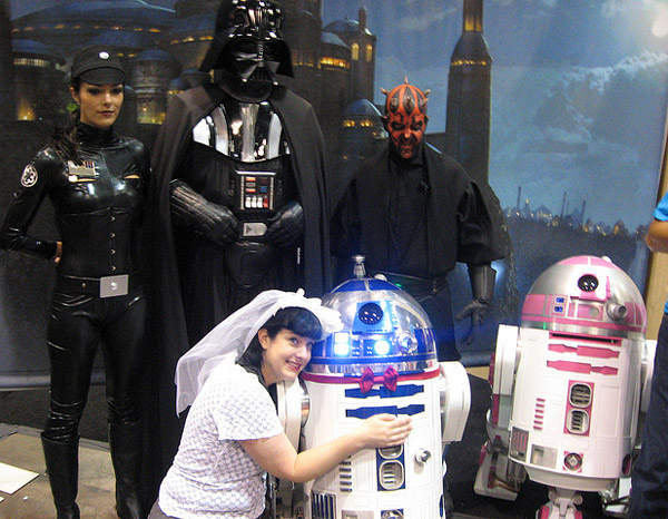 r2-d2_wedding_guests