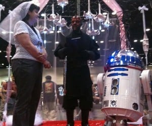 R2-D2 Finally Settles Down and Gets Married