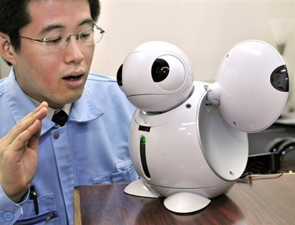 japan robots home assisted living maid