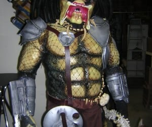Predator Halloween Costume Looks Amazing but Must be Amazingly Hot
