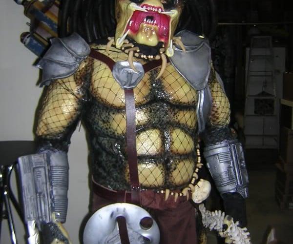 Predator Halloween Costume Looks Amazing but Must be Amazingly Hot
