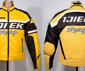 Dead Rising 2 Jacket on Ebay: +10 Zombie Slaying When Equipped