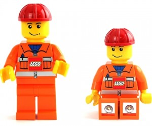 LEGO Minifig Flashlights: 2 Lights, 1 Fig