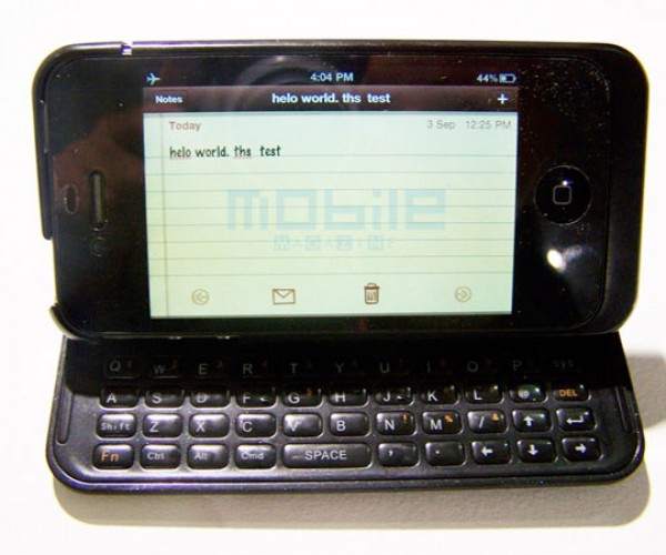 Mini Key Keyboard Case for iPhone 4 Shuts Up Blackberry Fanboys