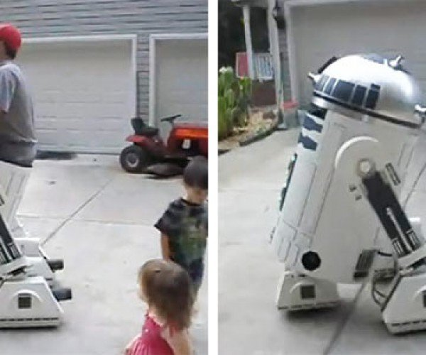 R2-D2 Robot Costume Holds a Dude and Moves Around