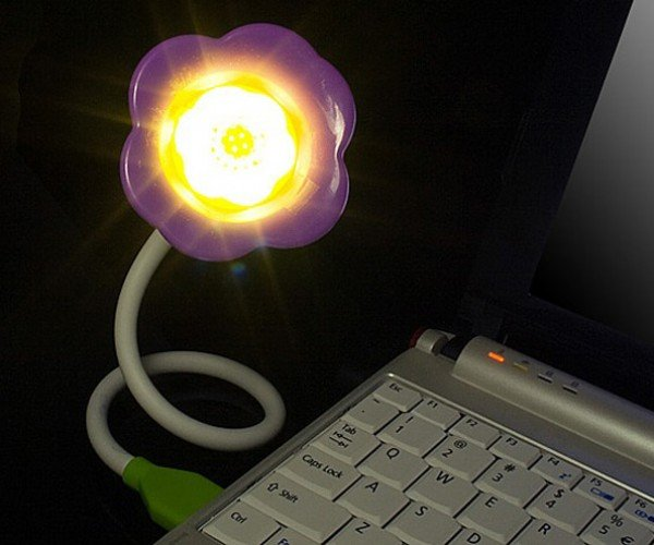 USB Flower Light With Aroma Diffuser: the Gift That Keeps on Stinking